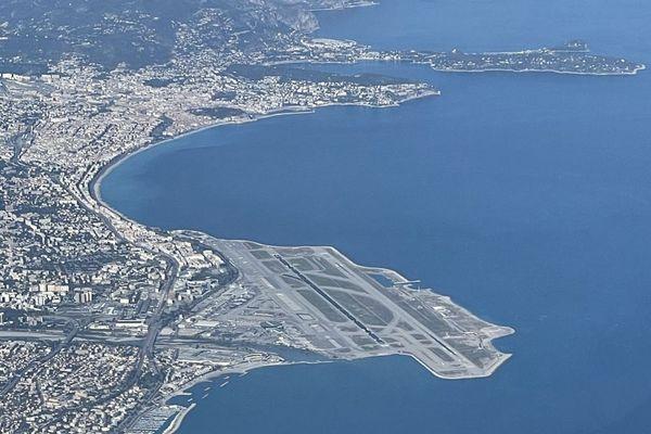 L'aéroport de Nice vu du ciel.