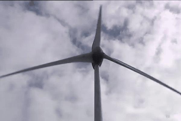 Une des six éoliennes de Plélan-le-Grand