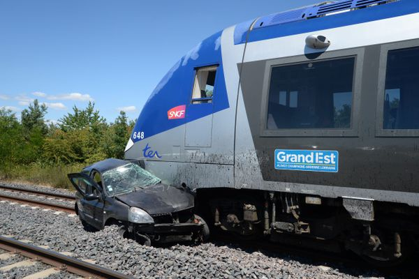 Parmi les quatre morts survenues durant les quinze premiers jours de juillet 2020, celle de la conductrice dont la voiture a été percutée par un train à hauteur de Schweighouse-sur-Moder (Bas-Rhin).