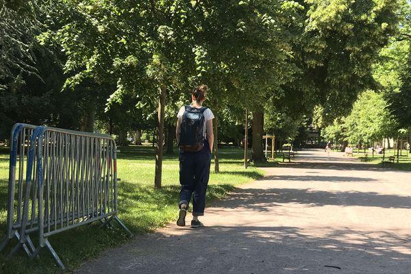 Les barrières qui ont empêché l'accès au parc pendant deux mois et demi ont enfin été poussées.
