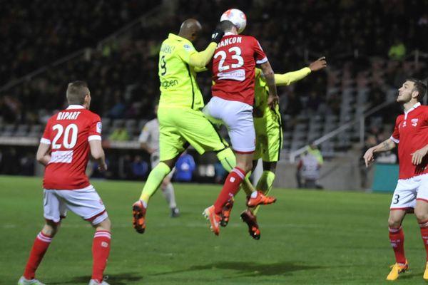 Ligue 2 - 27e journée: Nîmes-Metz le 23 février 2016.