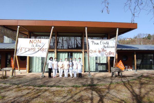 L'Unité Parkinson d'Ydes dans le Cantal est en sursis. Un collectif de défense de cette structure vient de se créer.