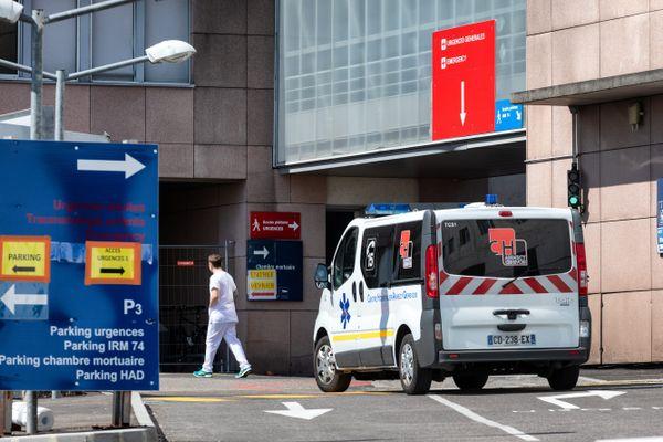Le centre hospitalier Annecy Genevois a activé son plan blanc lundi.
