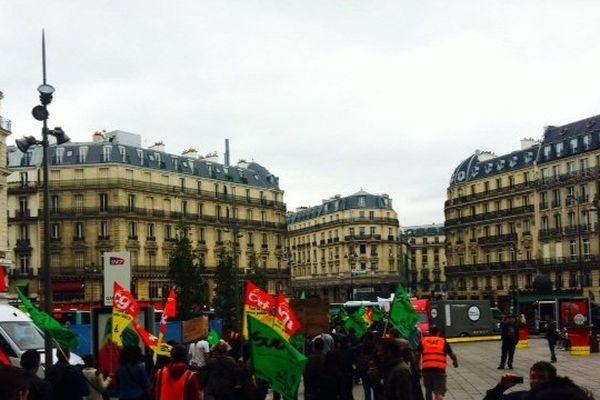 Les cheminots syndicalistes sont partis vers 10h30 de la gare Saint-Lazare pour débuter leur manifestation du mardi 17 juin 2014.