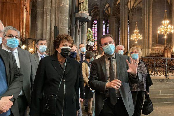 Ce vendredi 28 mai, la ministre de la culture, Roselyne Bachelot, a notamment visité la cathédrale de Clermont-Ferrand.