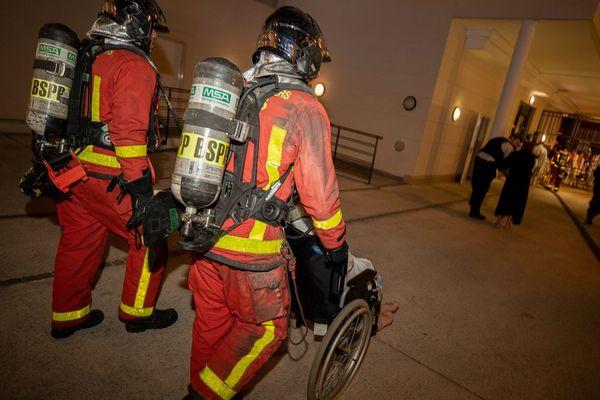 Une trentaine de résidents ont été évacués suite à l'incendie dans cet Ehpad du XVIe arrondissement de Paris.