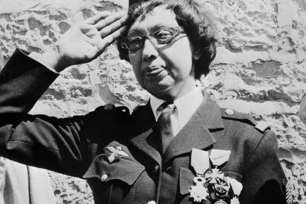 Joséphine Baker, grande résistante française, récompensée par la Croix de Guerre, et la Légion d'Honneur en 1961, aux Milandes.