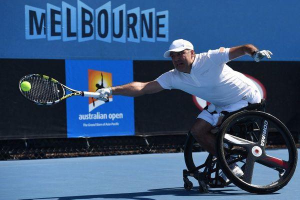 Le Nazairien est le numéro 4 mondial du tennis fauteuil. Il a remporté l'Open d'Australie 2016 en double.