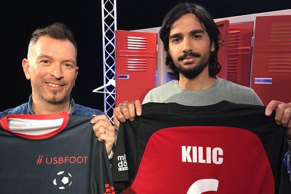 Samed Kilic, milieu de terrain du SO Cholet, invité de l'émission #USBFOOT, au côté d'Anthony Brulez