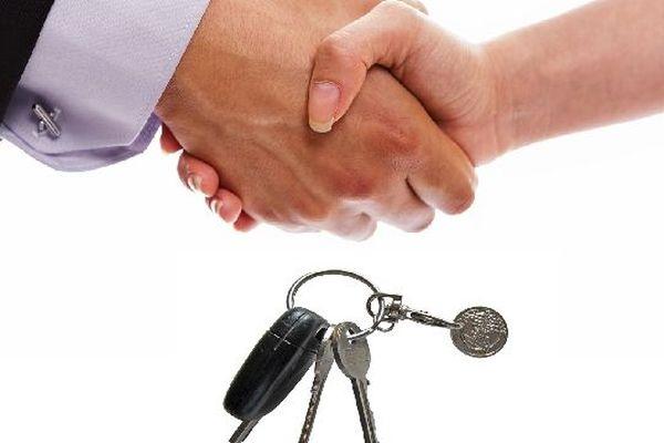 De plus en plus de sites s'occupent de tout pour que les particuliers puissent louer des voitures entre eux
