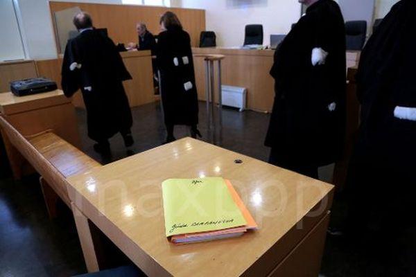Au tribunal correctionnel, lors du procès en première instance