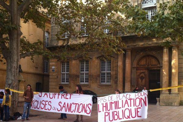 Mardi matin devant l'Institut d'Etudes Politiques à Aix en Provence