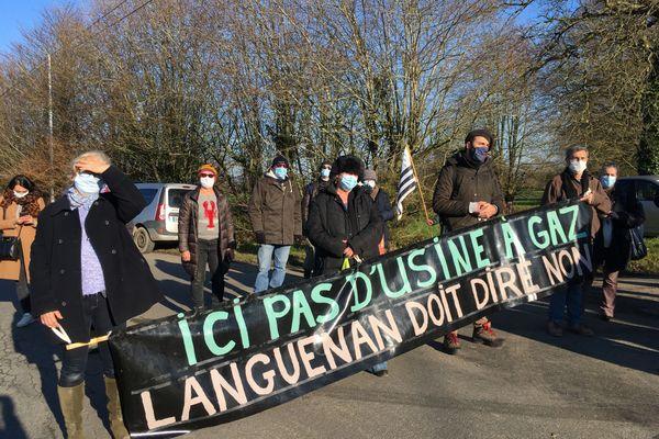 Manifestation d'un collectif d''habitants contre le projet de méthanisation Verts Sapins de Languenan