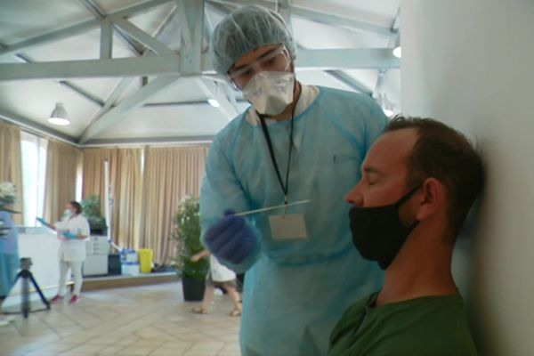 Le centre de dépistage massif de Grimaud a été mis en place par arrêté préfectoral suite à l'augmentation de cas positifs dans le Golfe de Saint-Tropez