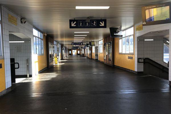 Le 10/12/19, Ambiance 5 ème jours de grève dans la gare centrale de Mulhouse.