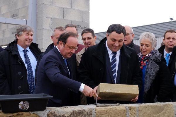 François Hollande a posé la première pierre de Gainotech à Eyrein en Corrèze