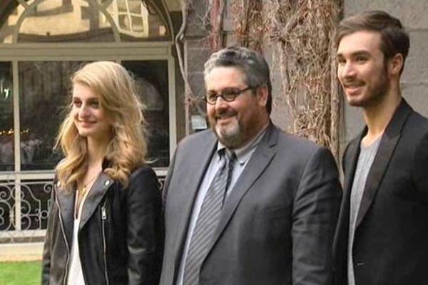Après les avoir reçus officiellement à l'Hôtel de Ville, Olivier Bianchi, le maire de Clermont-Ferrand a tenu à prendre la pose avec les deux héros du jour.