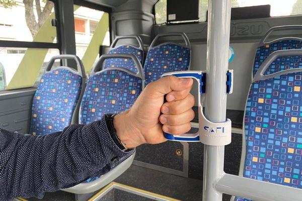 """Ce dispositif made in """"Ain"""" permet de se tenir en bus et en métro sans toucher les barres."""