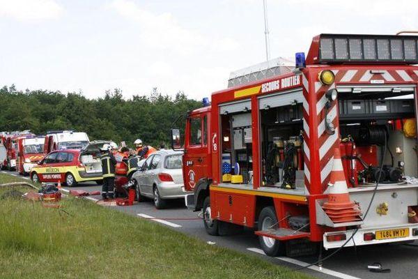 Les secours du Sdis interviennent sur un accident de la route.