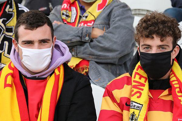 Les supporters lensois devront être masqués dans l'enceinte du stade Bollaert-Delelis tout au long de la saison 2021/2022.