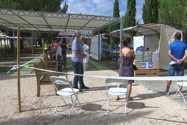 Un centre de dépistage ouvert en ce jour de grands retours de vacances sur une aire de repos de l'A62 en Lot-et-Garonne