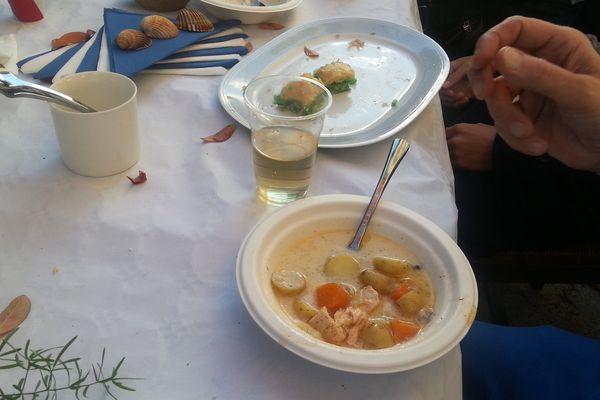 Soupe au saumon concoctée par Heikki Kotilainen, cuisinier d'un jour à l'occasion de la 15ème édition du dernier Restaurant Day à Montpellier.
