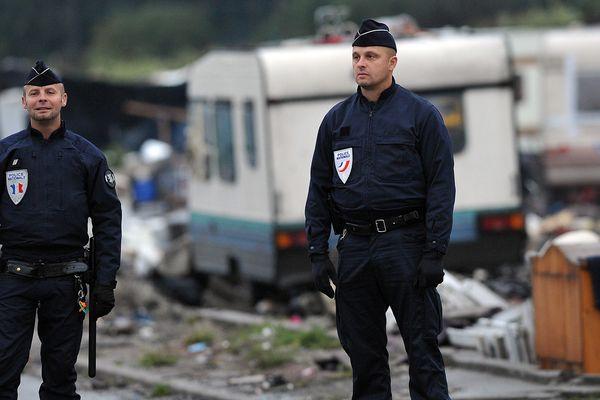 Expulsion d'un camp rom, ici en banlieue de Lille