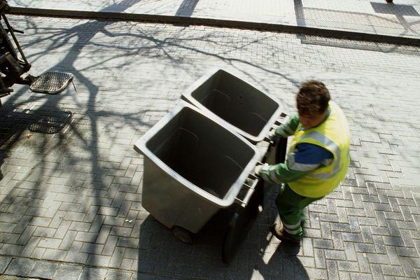 La collecte des ordures ménagères n'est pas assurée au sud de Nantes Métropole du fait de l'arrêt de travail des salariés de l'entreprise Suez.