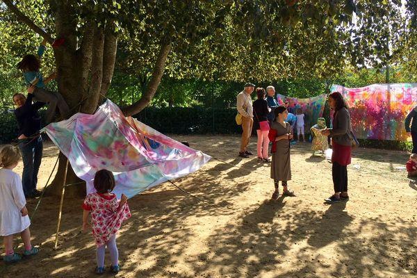 Sept samedis dans l'année, les parents seront invités à venir à l'école avec leurs enfants
