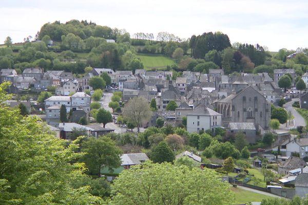 """Rieupeyroux - 28 mai 2021. La mairie du village organise une journée """"maisons à vendre"""" pour redynamiser la commune."""