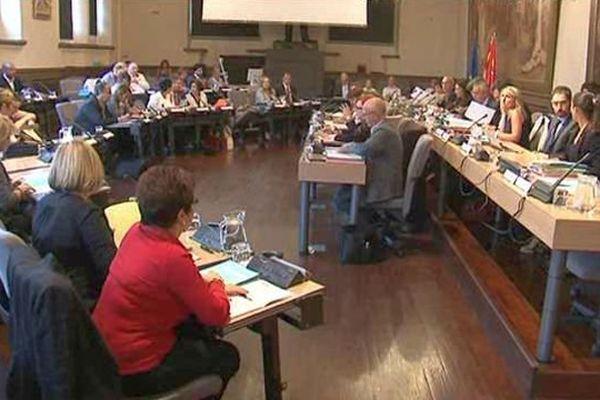 L'opposition municipale à Perpignan dénonce l'augmentation de 7 conseillers municipaux de la majorité Les Républicains