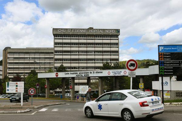 L'incident, survenu peu avant 9 heures, a notamment impacté des services de la préfecture de la Loire et du CHU de Saint-Etienne, précisent les pompiers.