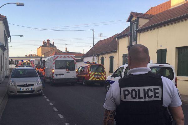 Le quartier de la rue de Decize à Moulins est bouclé après un accident sur la ligne Paris-Clermont-Ferrand.