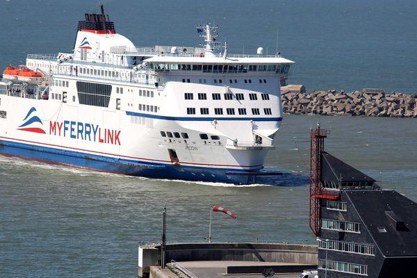 Un ferry de My Ferry Link.