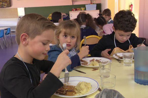 Les petits écoliers sont des goûteurs sans complexe, une franchise rafraîchissante pour les chefs.