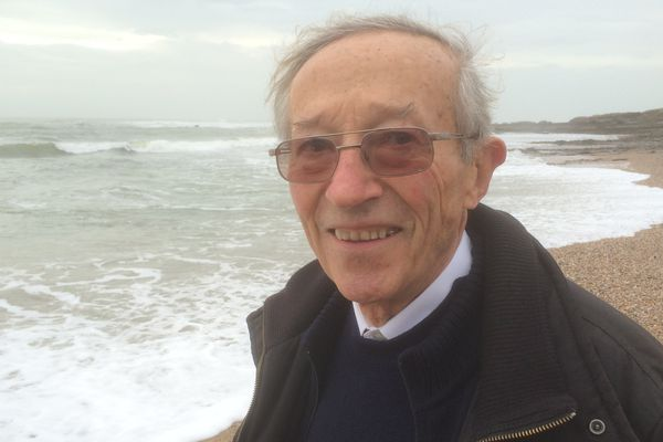 Le Père Gérard Papin, 83 ans, prêtre auxiliaire à St Gilles Croix de Vie