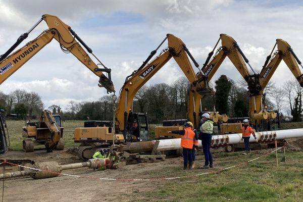 Pendant 6 mois, 650 ouvriers, répartis au sein de 11 équipes seront mobilisés sur le chantier du gazoduc.