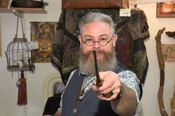 Gyles Mourot a plus d'un sort dans sa poche, grâce à sa baguette magique.
