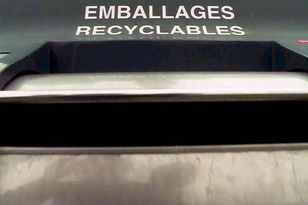 L'objectif est d'inciter à trier plus et jeter moins de déchets non-recyclables, et l'incitation est financière