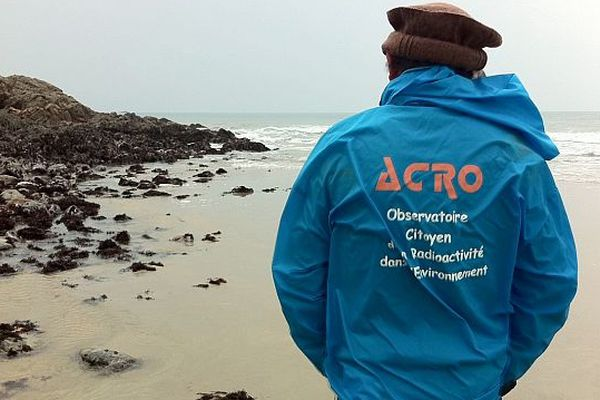 Un des membres de l'ACRO dans la Baie d'Ecalgrain
