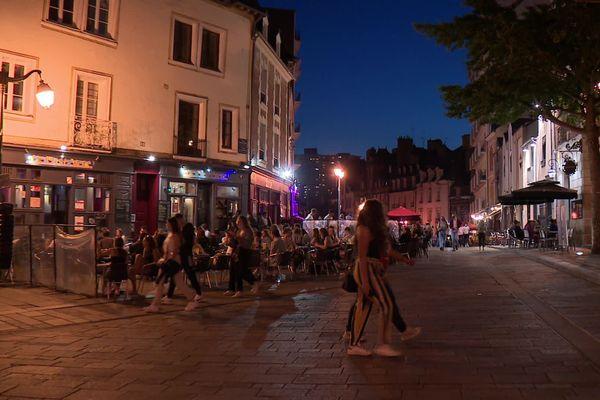 Les bars et restaurants d'Ille-et-Vilaine vont devoir fermer à 21h avec l'instauration du couvre-feu.