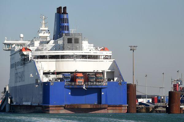 Un ferry de la compagnie DFDS à Loon-Plage en septembre dernier.