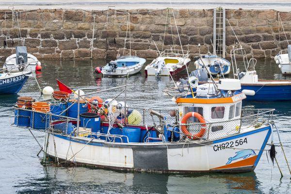 Les pêcheurs normands sont satisfaits d'être enfin fixés sur leur activité à partir du 1er janvier 2021 (ici un bateau à Port-Lévi dans le Cotentin, en juin 2019 (photo d'illustration)).