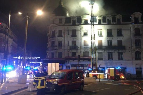 L'incendie de la rue Bayard s'est déclaré vers 2h30 du matin dans la nuit du mercredi au jeudi 10 janvier