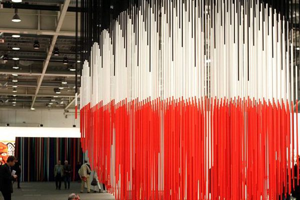 """Sphère Lutecia"" de Jesus Rafael Soto exposée à Bâle en Juin 2015"