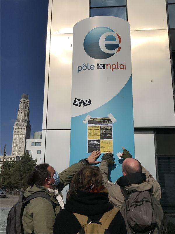 La coordination des intermittents et des précaires de Picardie devant l'agence Pôle emploi Amiens Tellier