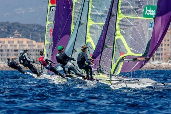 La Semaine olympique de Hyères, qui réunit l'ensemble des 15 sélectionnés français face aux meilleurs mondiaux, se termine dimanche.