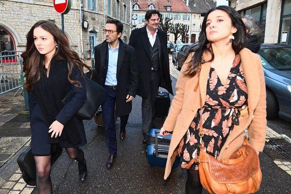 Me Esteve, Me Schwerdorffer, Me Spatafora, trois avocats vont assurer la défense de Jonathann Daval durant ce procès devant la cour d'assises.