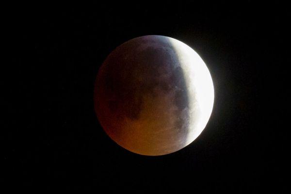 Le 21 janvier 2019, une éclipse totale de Lune avait eu lieu. Mais, pour les 10 ans à venir on ne pourra pas en observer en France. Il faudra se contenter d'éclipses partielles.