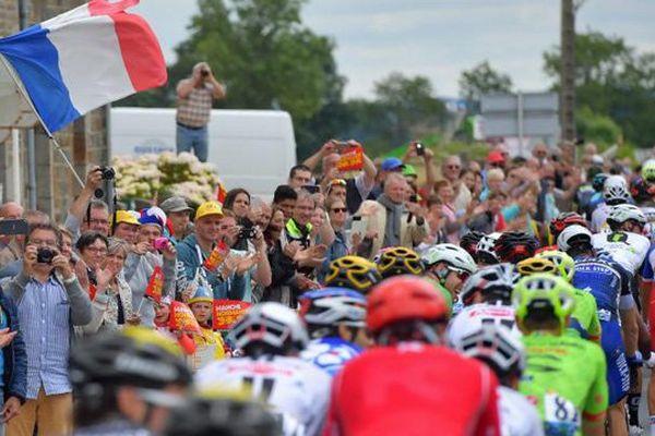 Les coureurs du Tour de France le 4 juillet 2016 lors de la 3e étape entre Granville et Angers